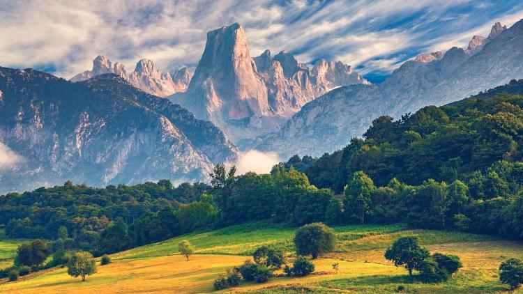 Naranjo de Bulnes, Picos de Europa
